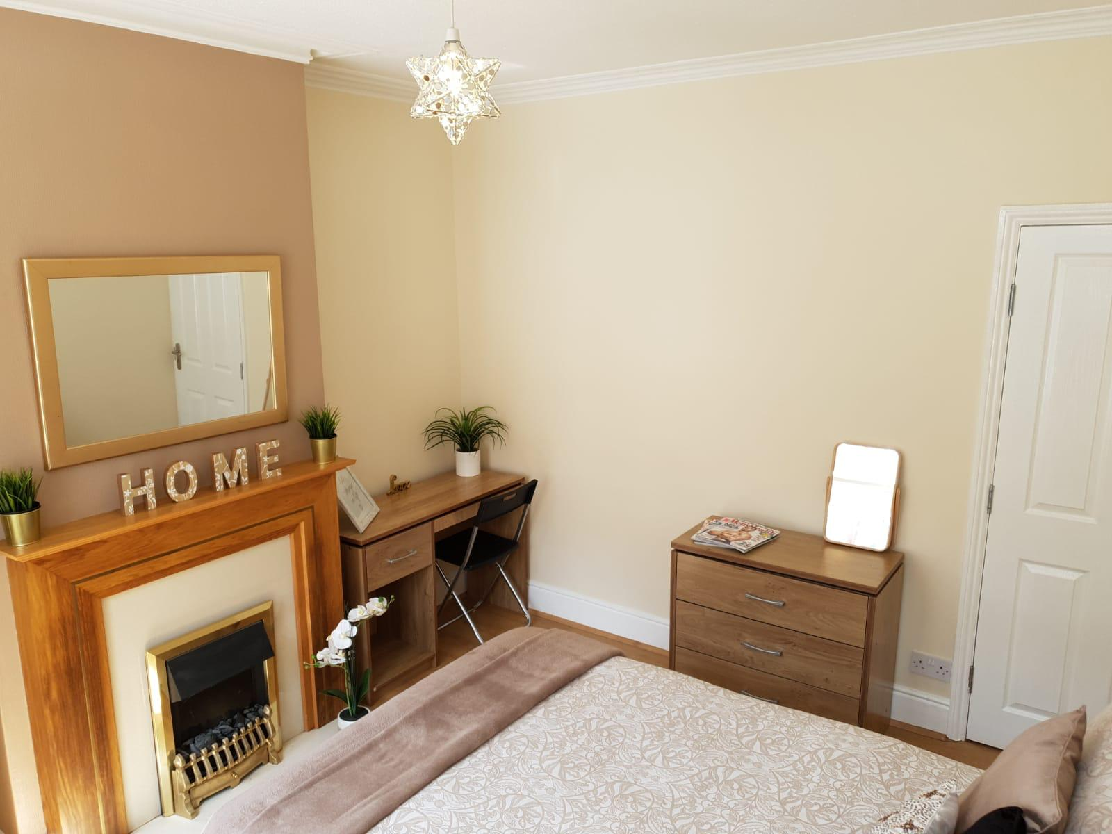 twyford-support-alfred-lodge-bedroom